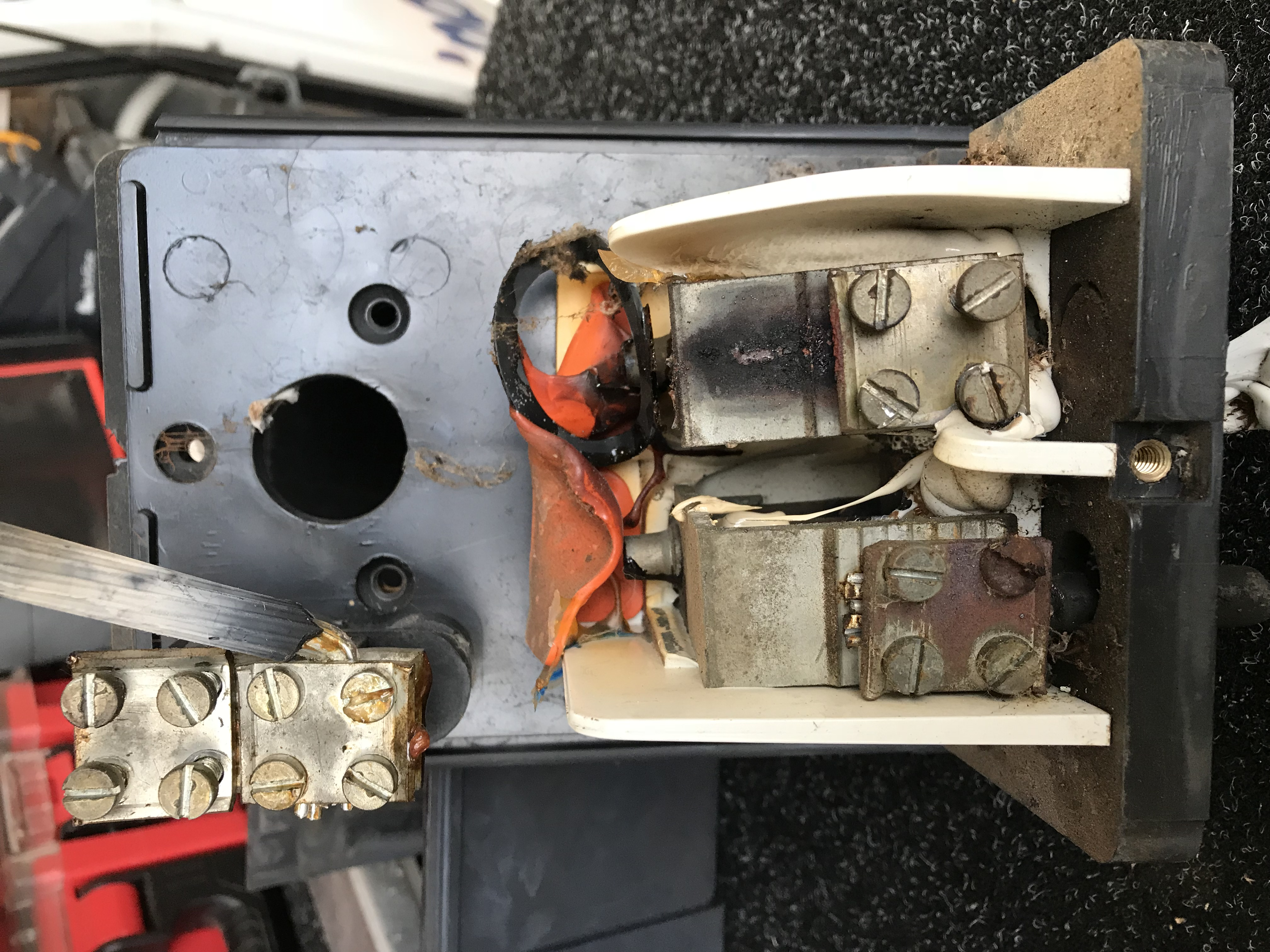 Sparkys Now Electrician in Carrum Downs – Mains Box Repair
